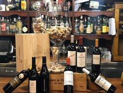 Gran variedad de vinos en Parrillada Buenos Aires