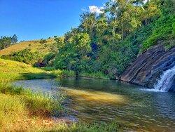 Lateral da Cachoeira