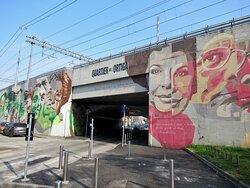 Murales lungo la massicciata ferroviaria