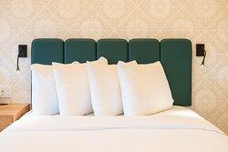 Superior Hotel Room 2 Queens