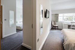 Interconnecting family bedrooms