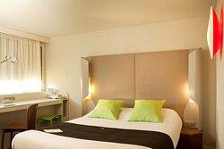 Campanile AIX SUD- Guest room