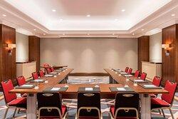 Nizwa Meeting Room - U-Shape Setup