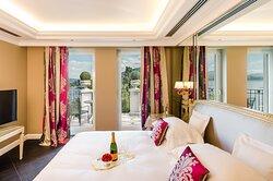 Liz Taylor Suite Lake View - Bedroom