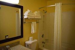 Double Queen Guest Bathroom