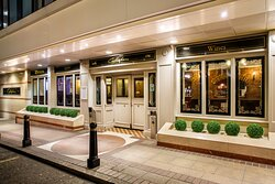 Enjoy a pint of local beer in our traditional Irish pub Callaghans