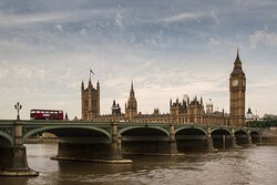 Westminster: Houses of Parliament and Big Ben opposite London Eye