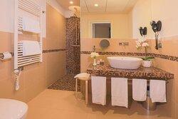 Glamour Hotel 4s Bathroom