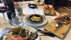 A pranzo tra amici