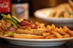 Check out this mouthwatering Avocado Bacon Turkey Burger. Photo: Justin Huard