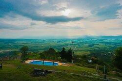 Piscina con vista al Valle del Cauca