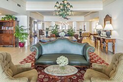 Dunes Manor Hotel - Main Building Lobby