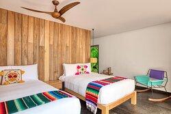 E WOW Suite - Second Guest Room