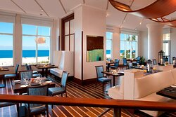Cheerful and featuring fantastic views, start your day off on the right foot at our 3800 Ocean restaurant, with locally-sourced American fare.