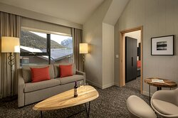 Summit Grand King Suite