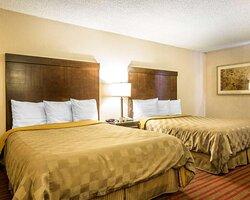 Guest room with queen beds