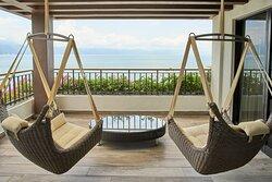 Presidential Suite - Swing Chair Terrace