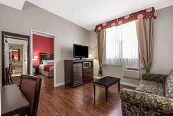 2 Queen Bed2 Room Suite