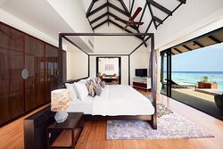 Overwater Pool Suite Bedroom