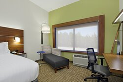 King Guest Room with Ergonomic Chair