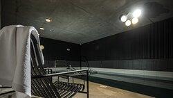 Sun & pool area