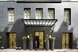 Hôtel Marignan hotel parisien luxe romantique paris design royal prestigieux haut de gamme – hotel avec baignoire (4)