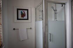 4 Poster room bathroom