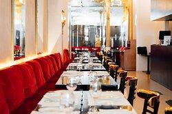 Restaurante  de 300m2 y con capacidad de 70 comensales en su interior