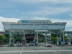 Bali International Airport Ngurah Rai - Pick up by Seminyak Tour