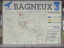 Dolmen de La Pierre Couverte de Bué. Vue 47. Tour des Mégalithes et Autres, en Randonnées. Bagneux 36210.
