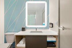 avid hotel Guest Bathroom