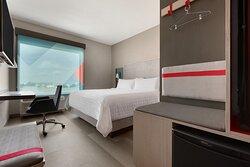 avid hotel King Guestroom