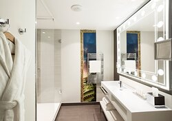 Junior Suite Bathroom looking like a make-up room You're the star!