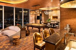 Broadway Suite - Living Area