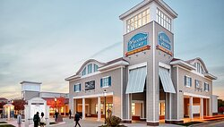 Wrentham Premium Outlet is 14 mi away. Ask about our shopping pkg!