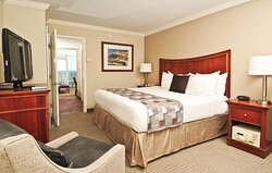Ocean Front King Suite Efficiency