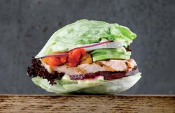 Fitness Burger with baked Capsicum and Beetroot