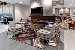 Lobby Lounge & Fireplace
