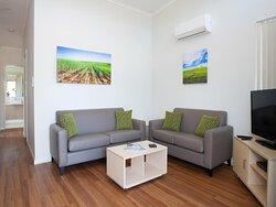Deluxe 2 Bedroom Cabin - Sleeps 4 - Living Area