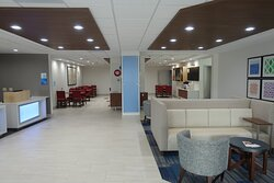 Holiday Inn Express and Suites Hotel Lobby