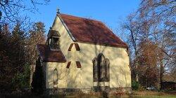 Mausoleum imTiergehege Waldhaus