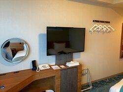 北海道旅行の最終日は「札幌プリンスホテル」に宿泊しました。 選んだ理由ですが、見晴らしの良い高層階がGoToトラベルで安価に泊まれたのが理由です。またホテルのスタッフさんは大変教育がなされていてテキパキと仕事をしていて大変好感が持てたホテルでした。 また、宿泊したいホテルの一つとなりました。