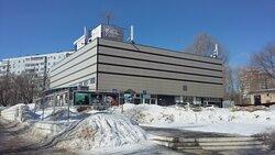 """Молодёжный драматический театр располагается в здании бывшего кинотеатра """"Октябрь"""" в Комсомольском районе Тольятти."""