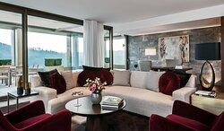 Presidential Suite, Living Room