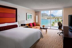 King ocean view guest room