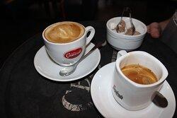 Теплый вечер с чашкой кофе.