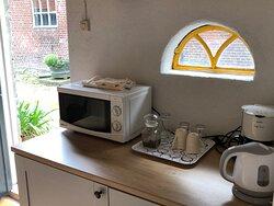 B&B 'Stookhuis', koelkast, thee en koffie faciliteiten, magnetron