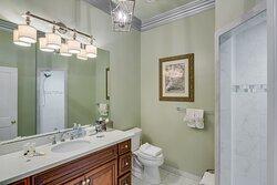 King Oliver Bath Room