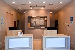 A friendly warm stay awaits you at New Boston Holiday Inn Express