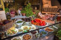 Deli-counter dishes